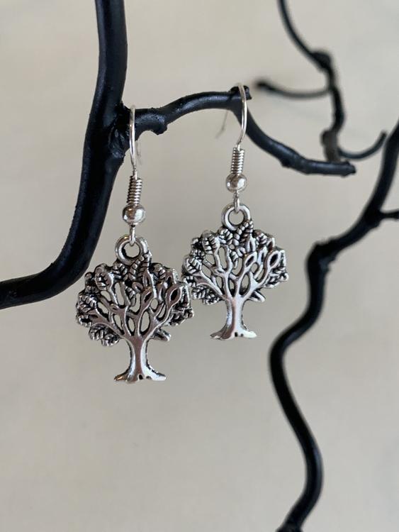 Örhängen träd