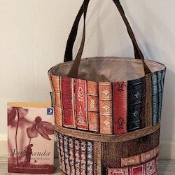 Kasse medium med böcker