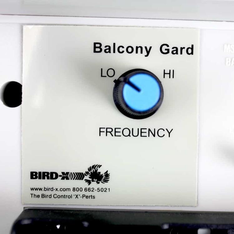 Balkong vakt ljudlös fågelskrämma