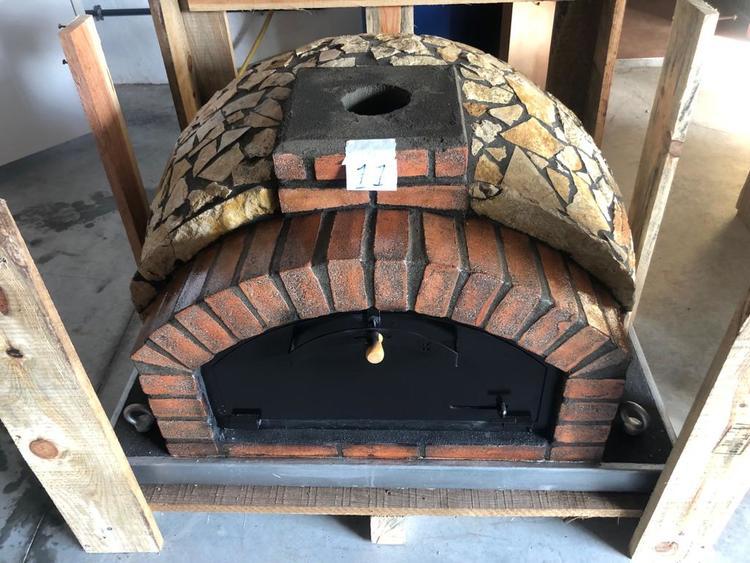 Pizzaugn isolerad Modell nr 11. 110 x 110 cm