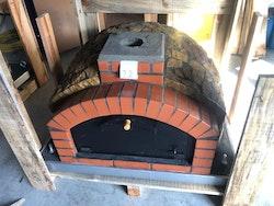 Pizzaugn vedeldad isolerad Modell nr 12. 110 x 110 cm