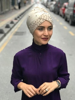 Turban med Pärlor Beige