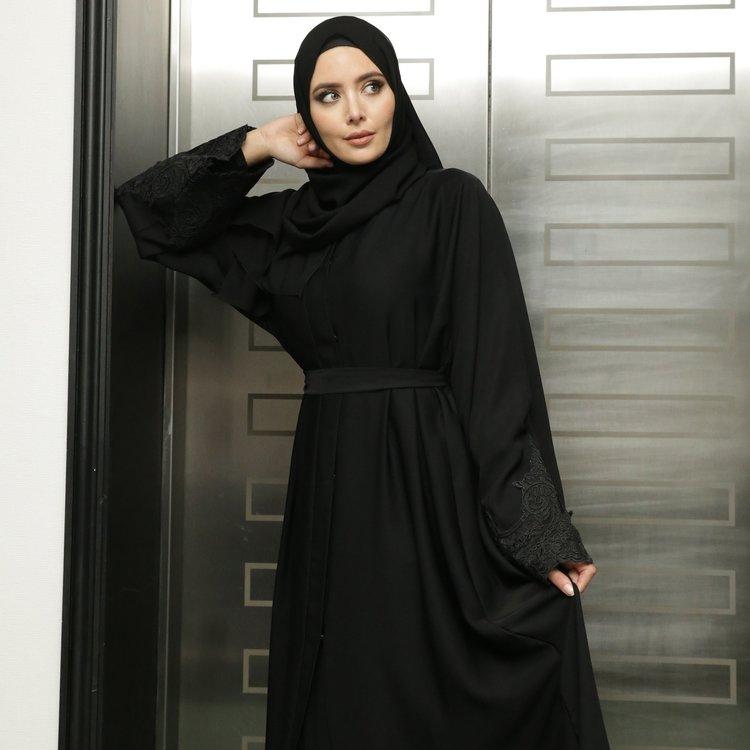 Kira Abaya + Sjal Svart