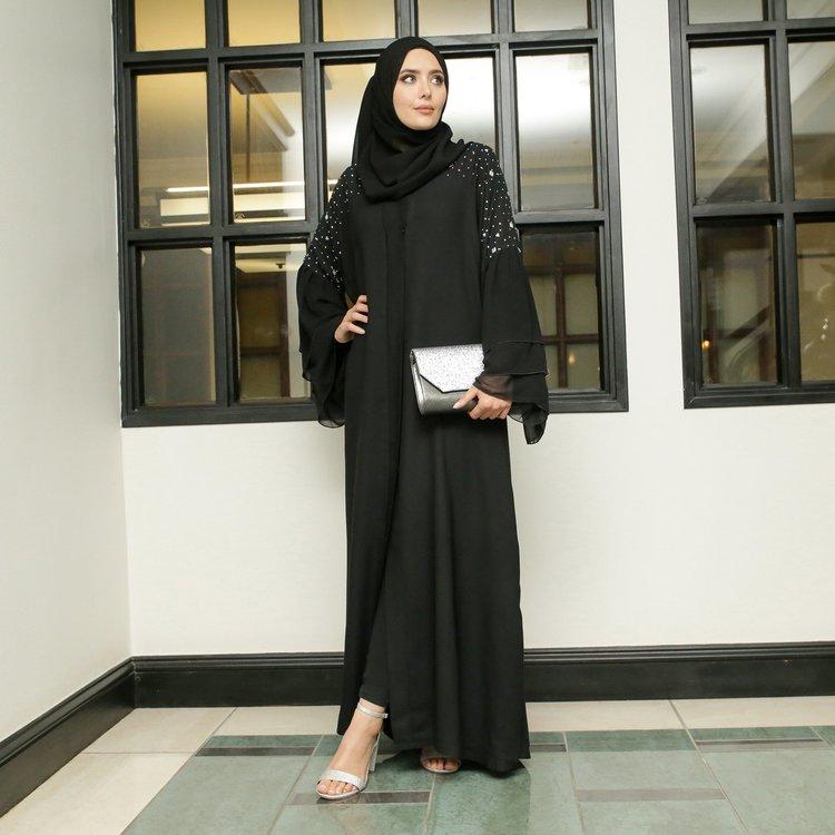 Marita Abaya + Sjal Svart