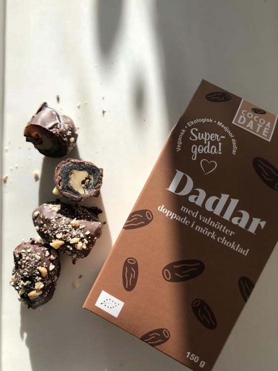 Mörk choklad och valnöt dadlar