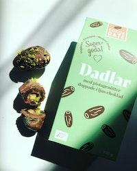Ljus choklad och pistage dadlar