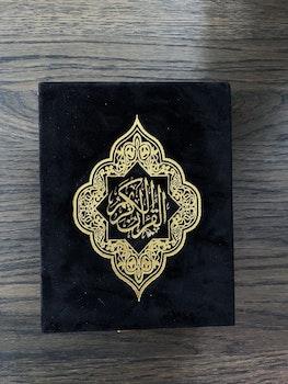 Sammet Koran i presentlåda