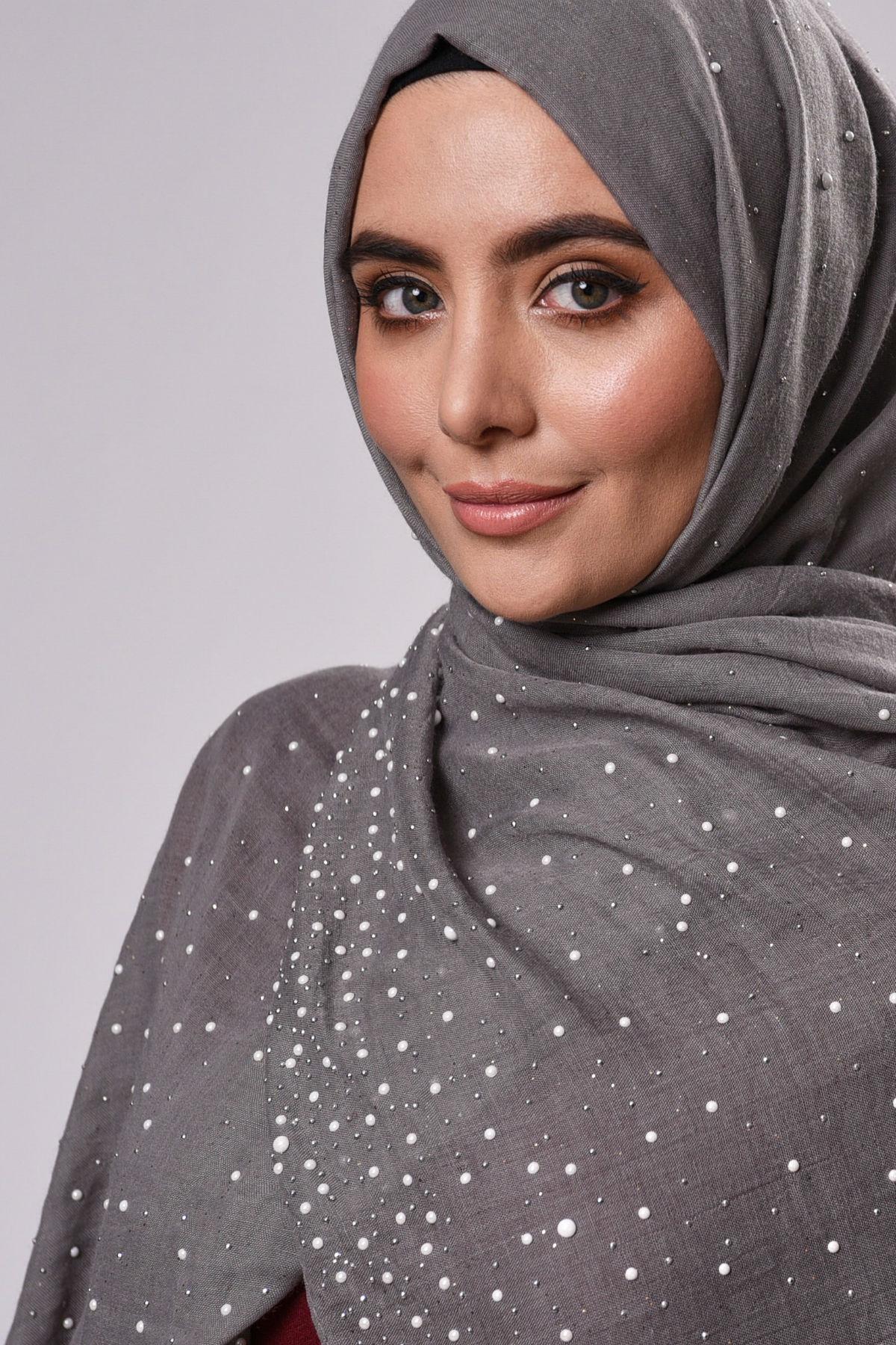 Aisha Sjal Grå