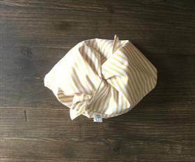 Bentobag i gulvitrandigt ekologisk bomull