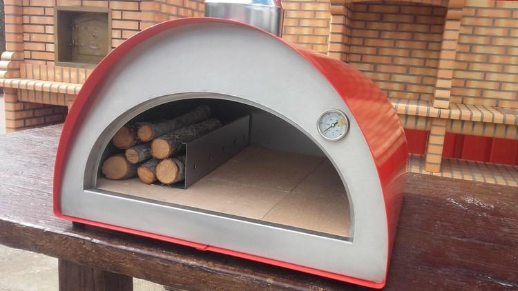 Reservsten till  Pizzaugn isolerad  Portugal