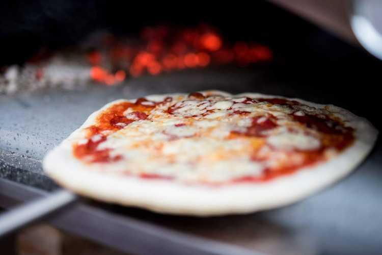 Forno Allegro Nonno Peppe.  11900 kr inkl pizzaspadeset utan 10900 kr