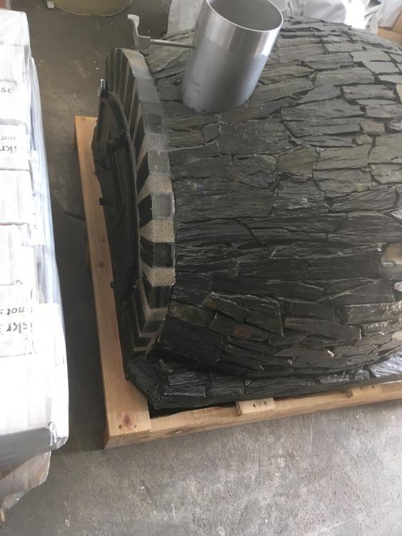Sista ex. Pizzaugn isolerad 100 x 100 cm natursten