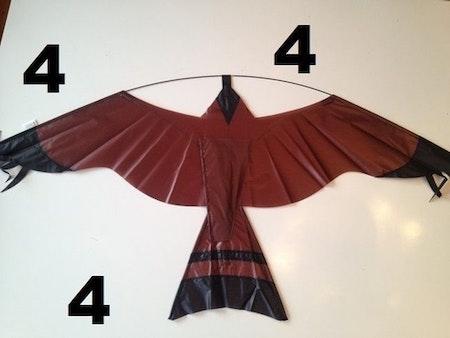 2 st 4 m Fågelskrämma med drake. Fraktfritt.