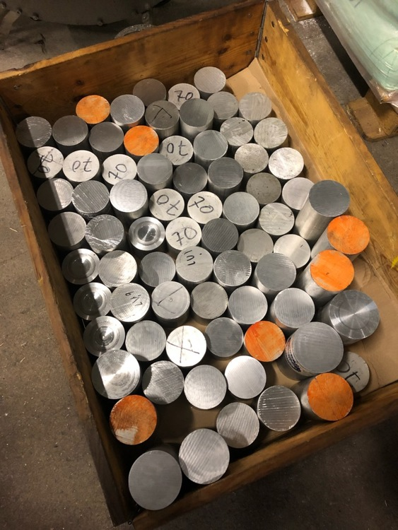 En pall full av aluminium! Ø70 & Ø80 (70kg!) Gratis frakt!