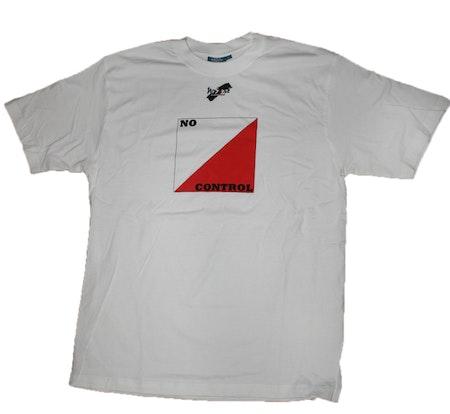 "T-shirt No Sense ""No Control"" LAGERRENSNING 50%"