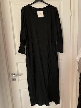 Långärmad klänning