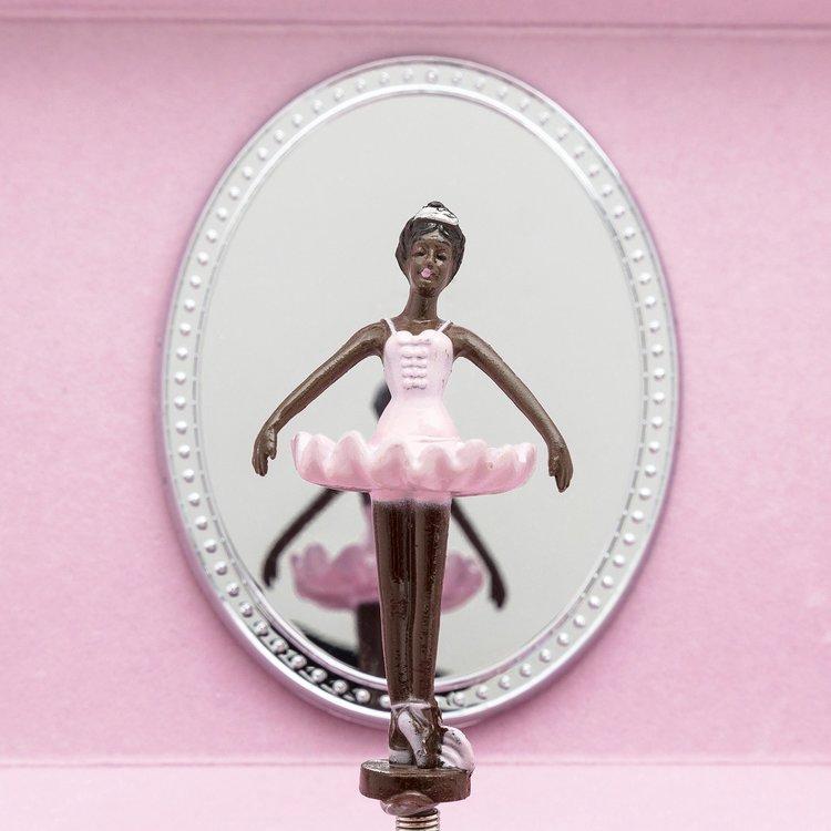 Nia ballerina Speldosa - Reflection