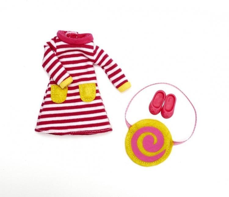 Raspberry Ripple Lottie Doll Clothes Outfit, outfit till Lottie dockor, klänning, handväska och ballerinaskor.