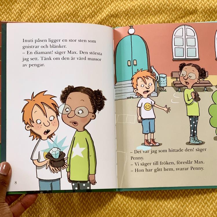 Diamanttjuven med lättlästa boken skoldeckarna, inkluderande bok med mörkhyade karaktärer. Bok från 6 år, spännande bok för barn.