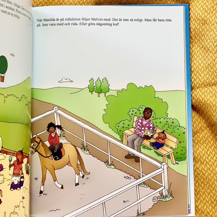 Bilderboken Melvin viktigast i världen, en inkluderande barnbok där mörkhyade barn är representerade. Rolig barnbok för barn från 3 år.