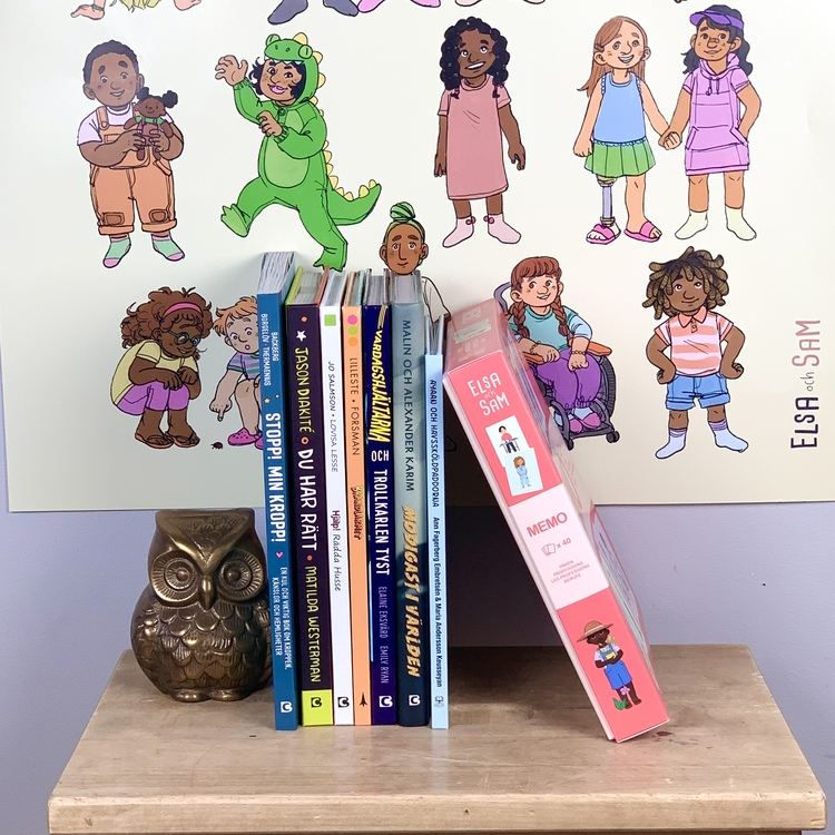 Skolpaket med böcker och leksaker för skolan, med mångfald och genus i åtanke.
