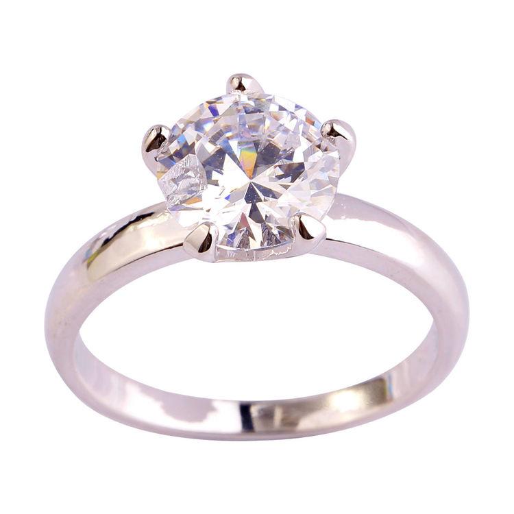 Ring med stor vit kristall 17 mm