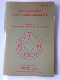 "Tyl, Noel ""Astrology and Personality (Volume V)"" HÄFTAD"