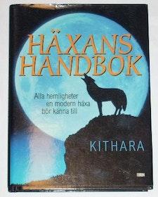"""Kithara, """"Häxans handbok: Alla  hemligheter en modern häxa bör känna till"""" INBUNDEN"""