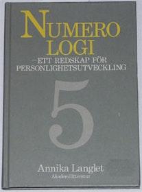 "Langlé, Annika, ""Numerologi"" INBUNDEN SLUTSÅLD"