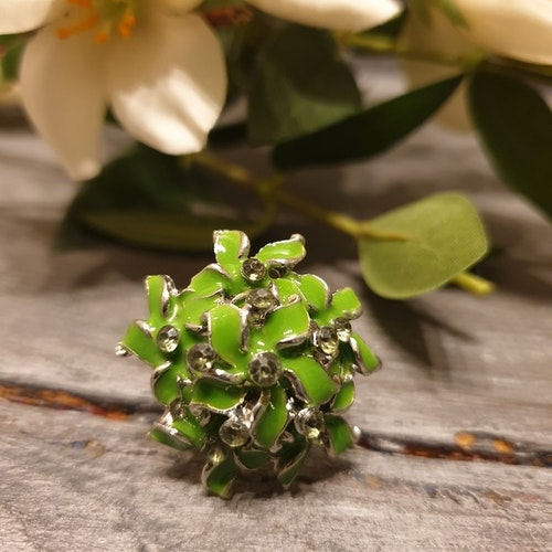 Ring flowerball