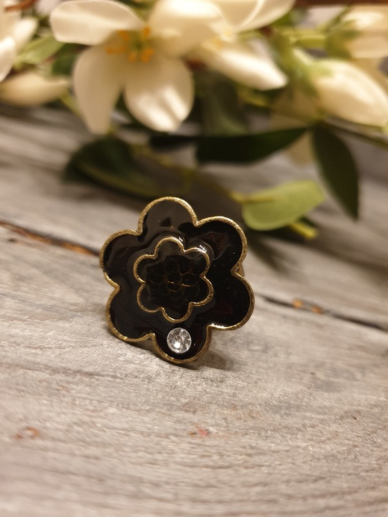 Ring blackbloom
