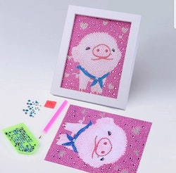 Diamanttavla Med Ram Miss Piggy 15x20
