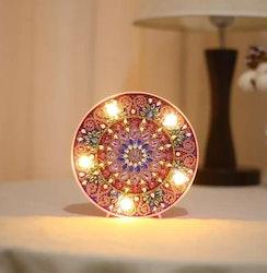 SNART I BUTIK - Diamanttavla Ledlampa Mandala Happy 15x15