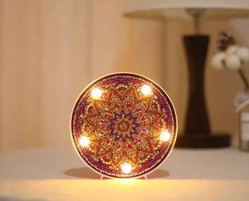 Diamanttavla Ledlampa Mandala Purple 15x15