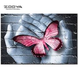 Diamanttavla Fjäril I Händer Rosa 50x60