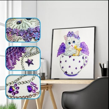 Diamanttavla Special Cat Purple 30x30