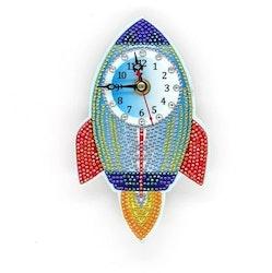 Diamanttavla Klocka Raket 18x11