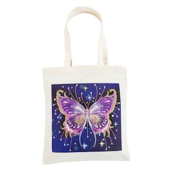 Diamanttavla Canvasväska Purple Butterfly 35x30 ¨Leveranstid 1-3 Dagar