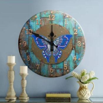 Diamanttavla (R) Klocka Butterfly 29 cm i diameter - Leveranstid 1-3 Dagar