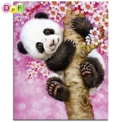 Diamanttavla Panda I Träd 30x40