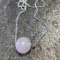 Halsband med stor rosenkvartspärla