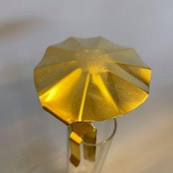 Svenskt hantverk - sotskydd parasoll mässing