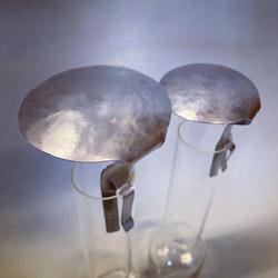 Svenskt hantverk - sotskydd hamrat stål