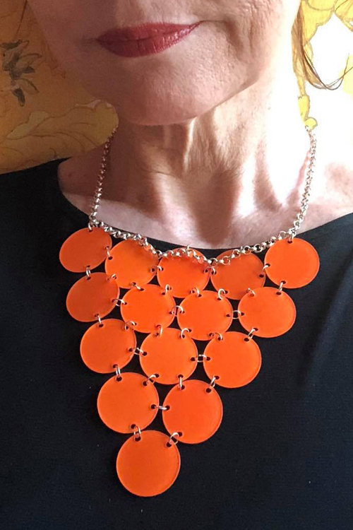 Orange triangel, halsband