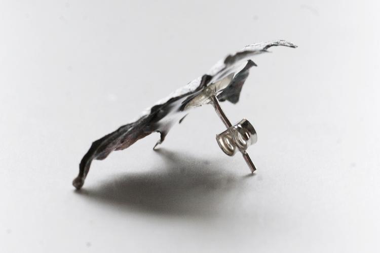Oxiderat silverlöv, örstickare
