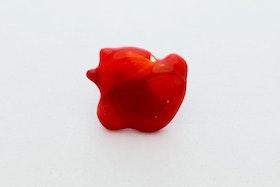 Ring av handgjort glas i rött och orange