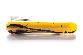 Slipsnål av handgjort glas i gult och svart