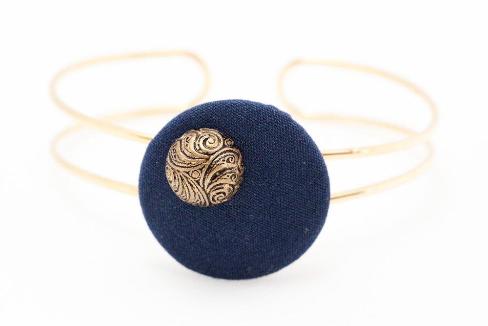 Blå och guldiga knappar, armband