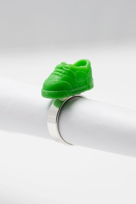 Sneakers i grönt, ring