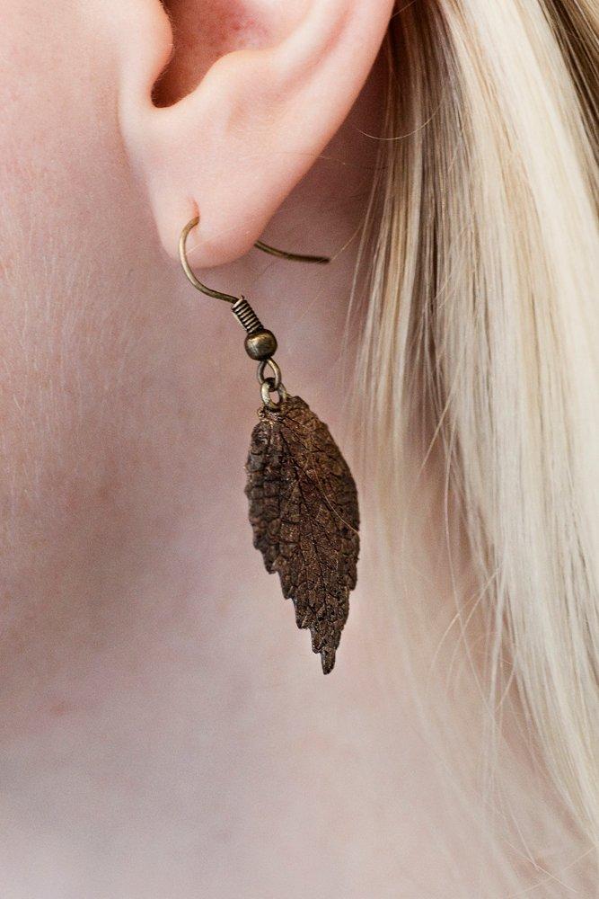 Bronslöv, örhängen
